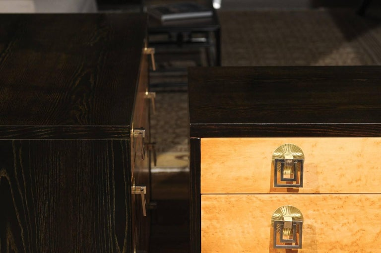 Breathtaking Pair of Chests by Renzo Rutili in Cerused Oak and Bird's-Eye Maple For Sale 3