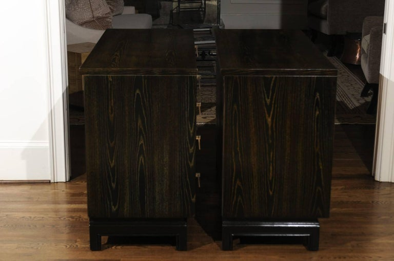 Breathtaking Pair of Chests by Renzo Rutili in Cerused Oak and Bird's-Eye Maple For Sale 4
