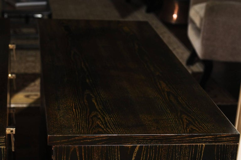 Breathtaking Pair of Chests by Renzo Rutili in Cerused Oak and Bird's-Eye Maple For Sale 7