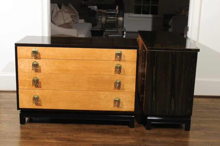 Breathtaking Pair of Chests by Renzo Rutili in Cerused Oak and Bird's-Eye Maple For Sale 12