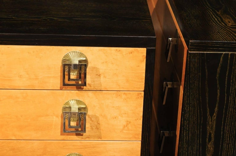 Breathtaking Pair of Chests by Renzo Rutili in Cerused Oak and Bird's-Eye Maple For Sale 13