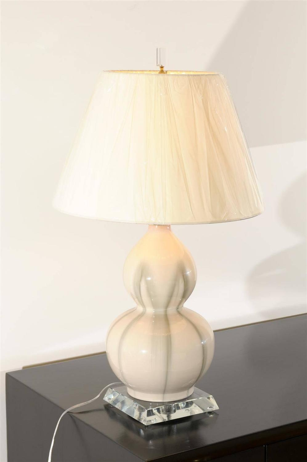 pair of ceramic gourd lamps in cream and celadon for sale at 1stdibs. Black Bedroom Furniture Sets. Home Design Ideas