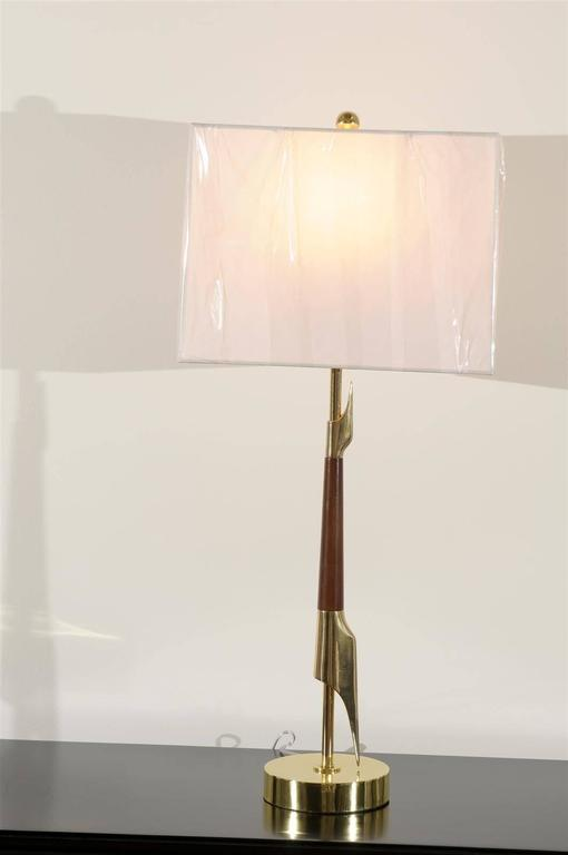 Restored Pair of Elegant Rembrandt Rocket Lamps in Walnut and Brass For Sale 1