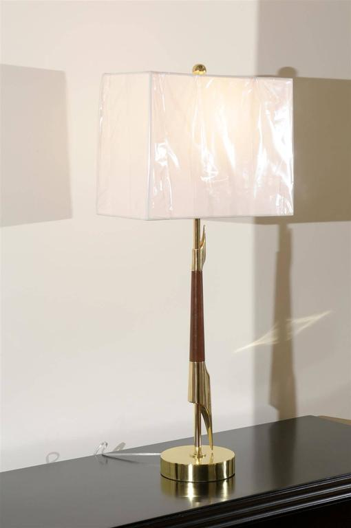 American Restored Pair of Elegant Rembrandt Rocket Lamps in Walnut and Brass For Sale