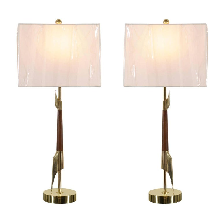 Restored Pair of Elegant Rembrandt Rocket Lamps in Walnut and Brass For Sale