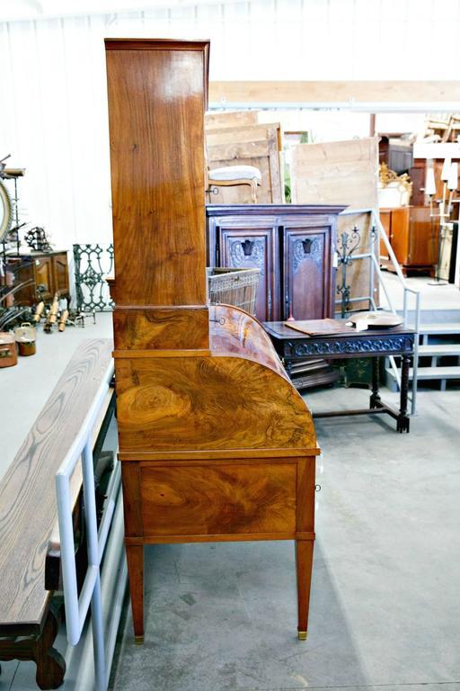 Walnut 18th Century Louis XVI Period Bureau à Cylindre or Cylinder Desk For Sale