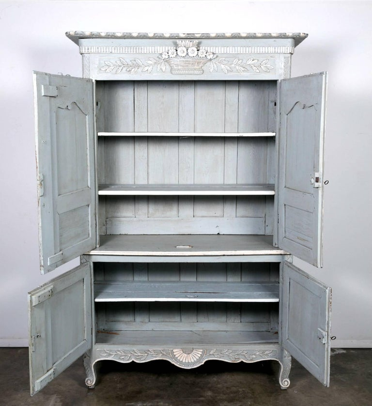 French Louis XV Style Painted Marriage Buffet Deux Corps from Normandy In Excellent Condition For Sale In Birmingham, AL