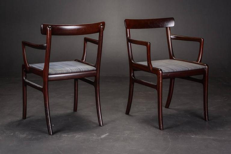 Ole Wanscher 1903-1985. 'Rungstedlund'. Dining table and eight mahogany chairs, two with armrests, upholstered in horsehair.