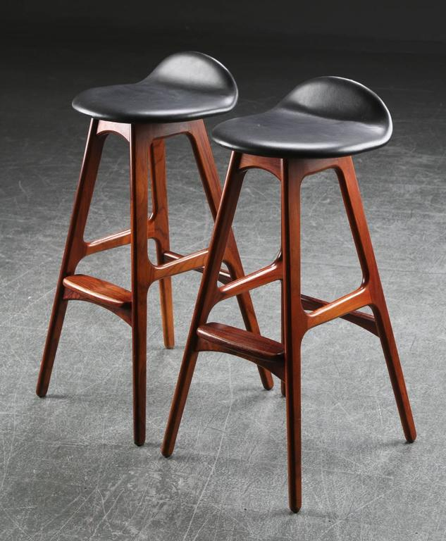 Rosewood and Leather Bar Stools by Erik Buch In Excellent Condition For Sale In Vienna, AT