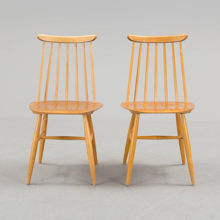 Scandinavian Modern Pair of Ilmari Tapiovaara Dining Chairs For Sale