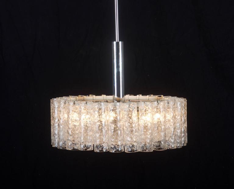 Brass Elegant German Mid-Century Doria Textured Glass Chandelier For Sale