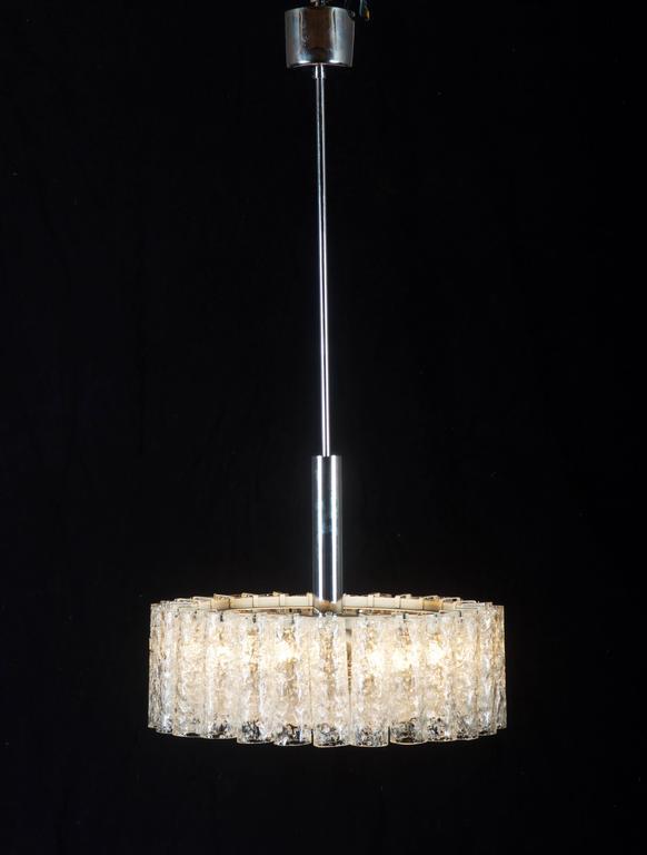 Elegant German Mid-Century Doria Textured Glass Chandelier For Sale 4