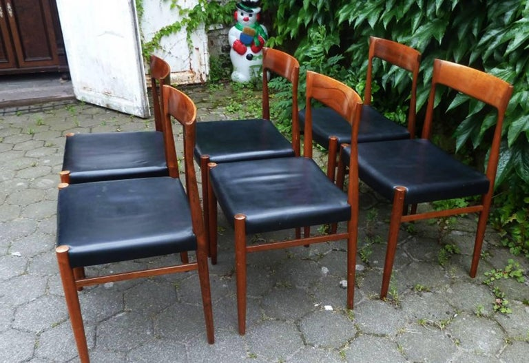 Set of Six Hardwood Dining Chairs in the Style of Møller 77 Chairs For Sale 2