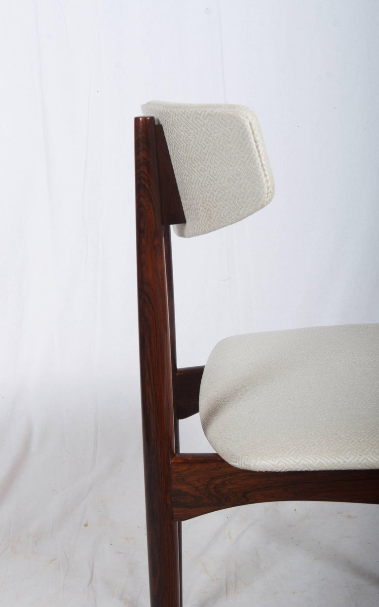 Hardwood construction (walnut) upholstered seat and backrest. Excellent restored with new upholstery. Up to 10 pieces available. Delivery time about 3-4 weeks.