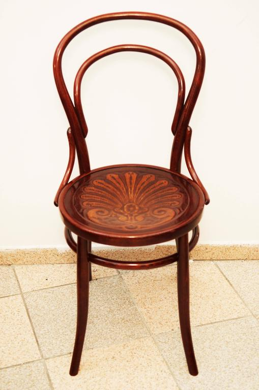 Early 20th Century Bentwood Chairs Attributed to Thonet For Sale