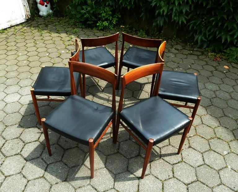 Set of Six Hardwood Dining Chairs in the Style of Møller 77 Chairs In Good Condition For Sale In Vienna, AT