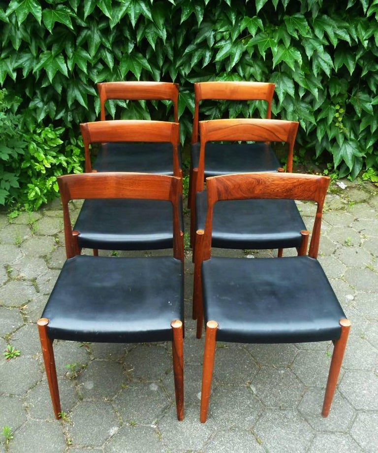 Mid-20th Century Set of Six Hardwood Dining Chairs in the Style of Møller 77 Chairs For Sale