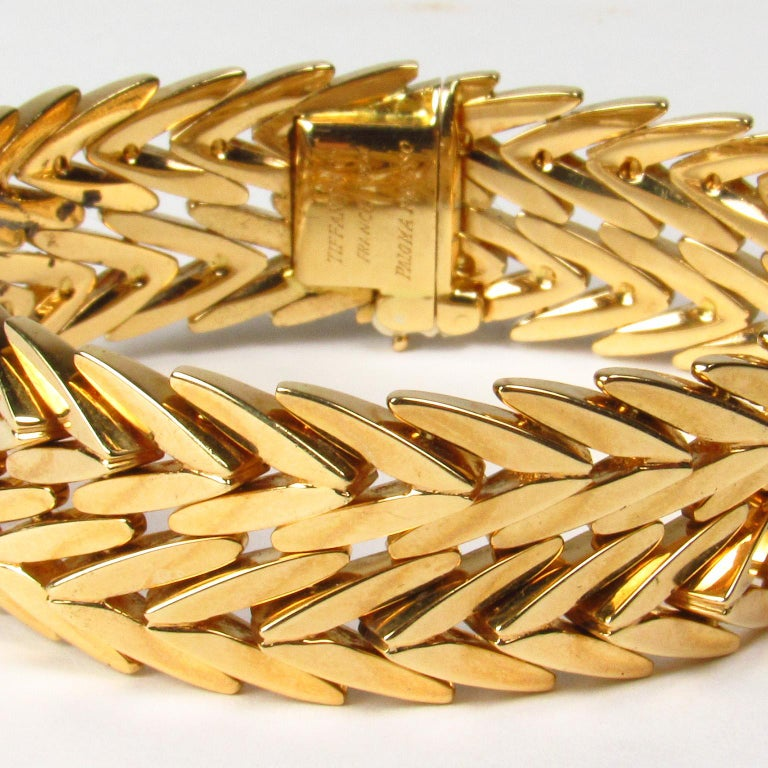 20th Century Paloma Picasso Tiffany & Co. 18 Karat Yellow Gold Link Bracelet For Sale
