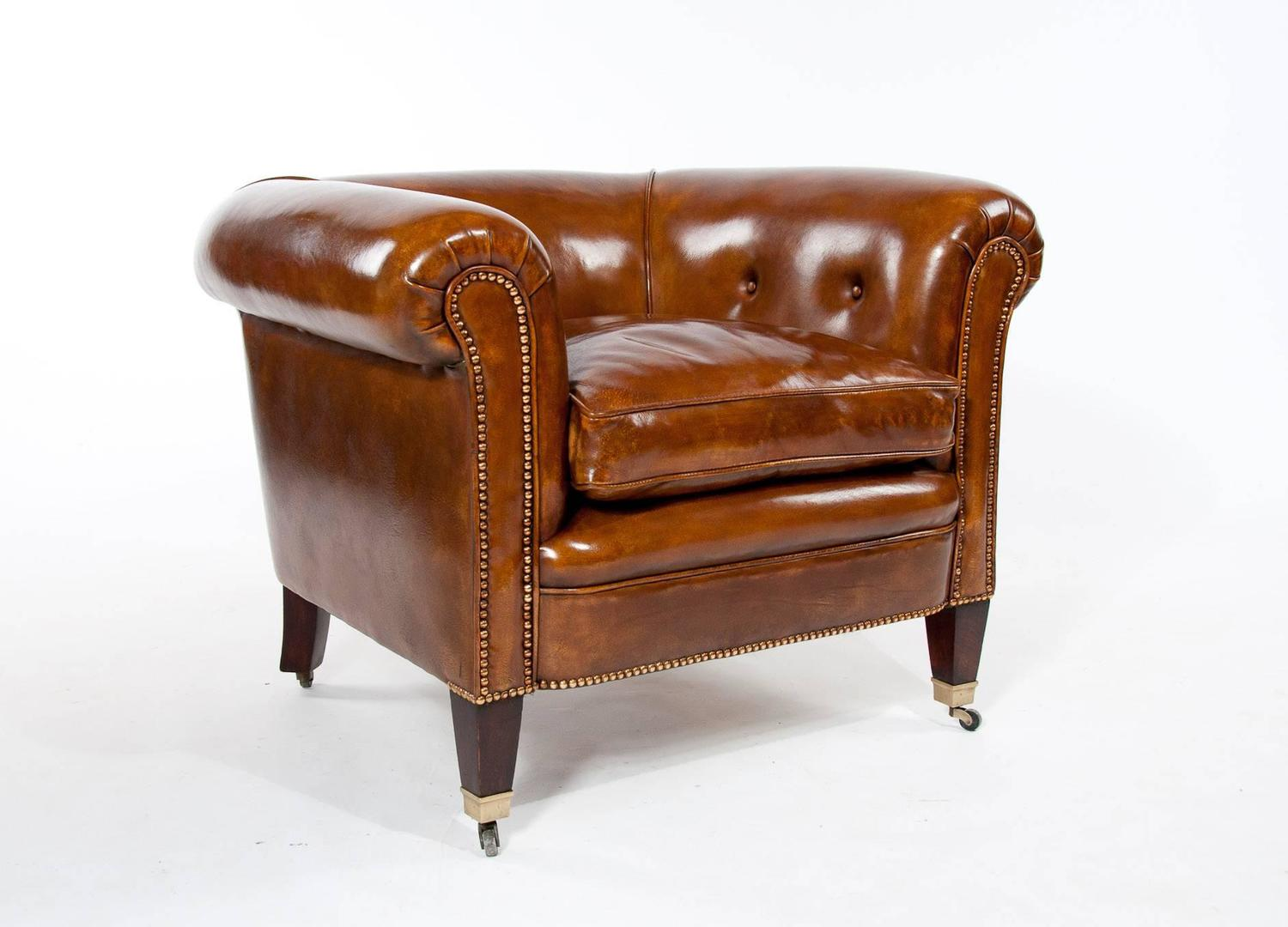 Quality Pair of Antique Leather Tub Armchairs For Sale at ...