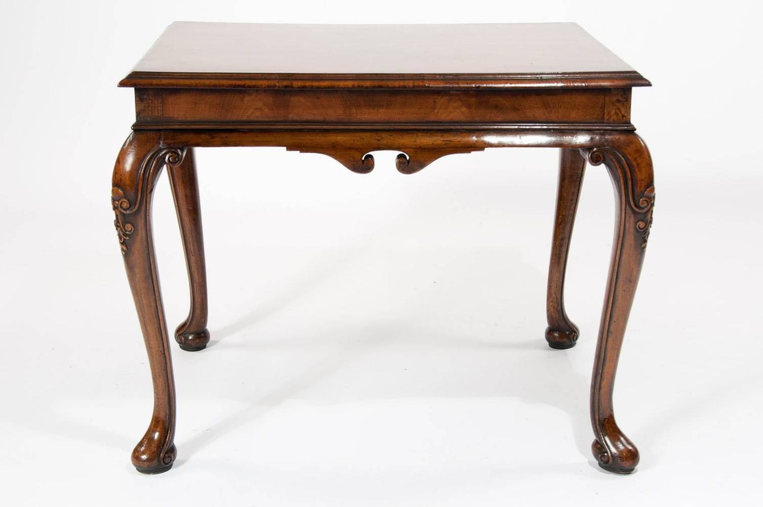 Antique walnut coffee table on cabriole legs at 1stdibs Coffee table antique