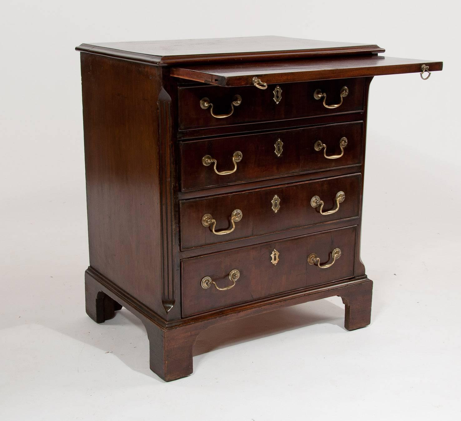 #321A12 Small George III Mahogany Chest Of Drawers At 1stdibs with 1476x1348 px of Highly Rated Small Storage Chests 13481476 picture/photo @ avoidforclosure.info