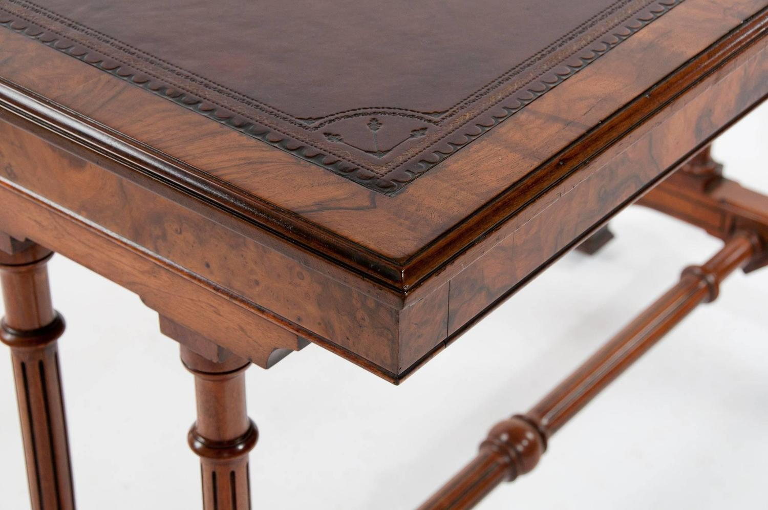 Fine 19th century gillows burr walnut writing table for for Table insert th