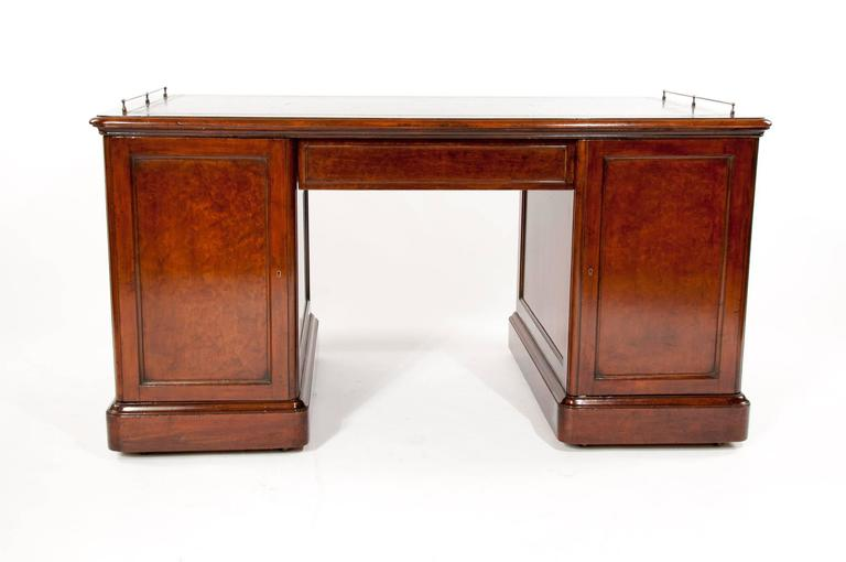 Important Historical Desk of Admiral Markham For Sale 1