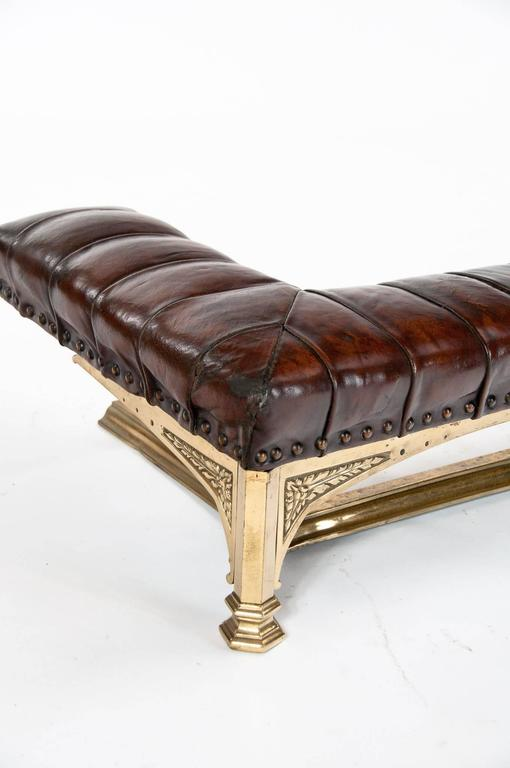 English Quality Victorian Leather Upholstered Fender For Sale