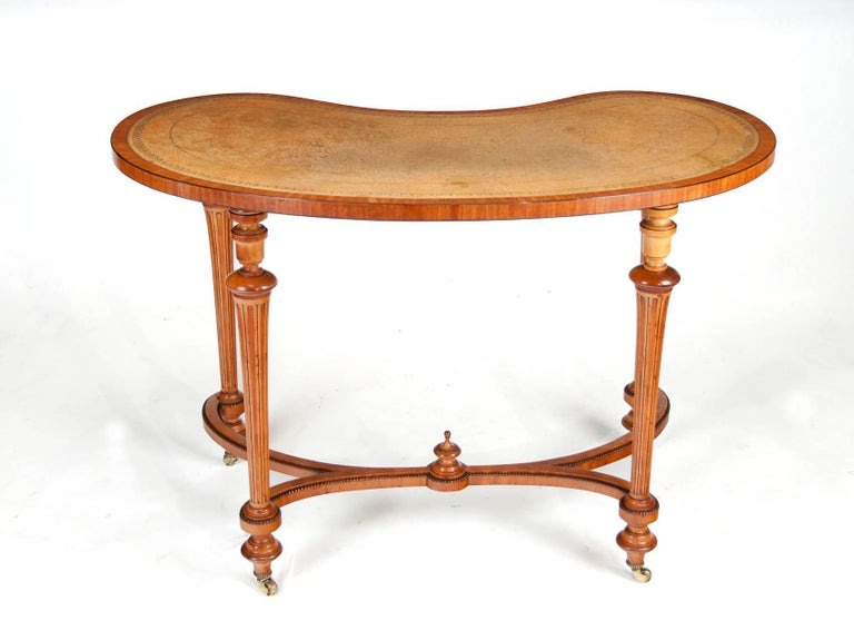 Fine 19th Century Satinwood Kidney Shape Side Writing Table For Sale 3