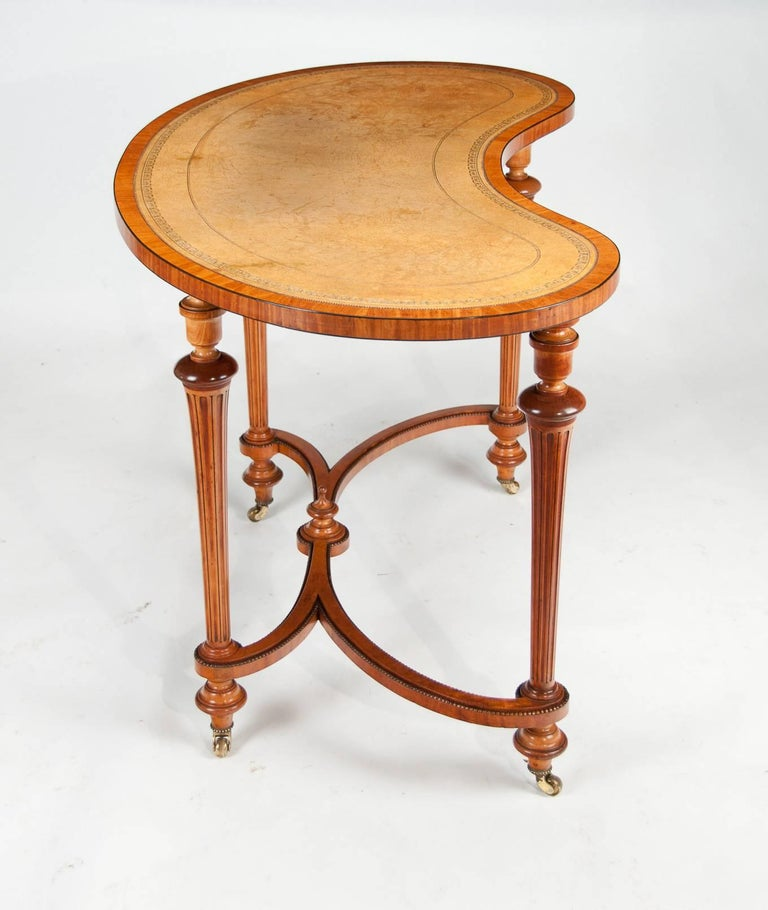 Fine 19th Century Satinwood Kidney Shape Side Writing Table For Sale 2