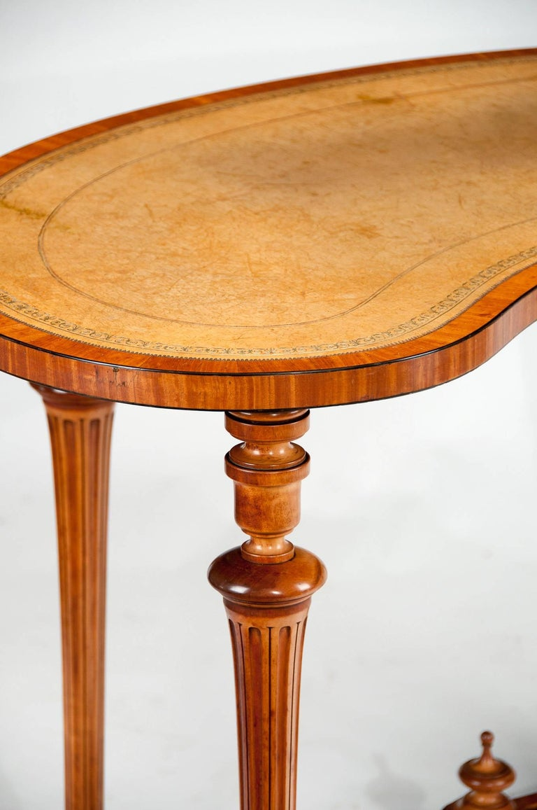 Victorian Fine 19th Century Satinwood Kidney Shape Side Writing Table For Sale