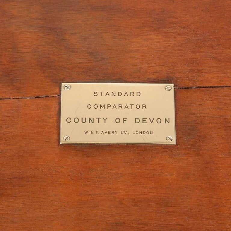 Cased Standard Yard Comparator Made by W. T. Avery for the County of Devon For Sale 3