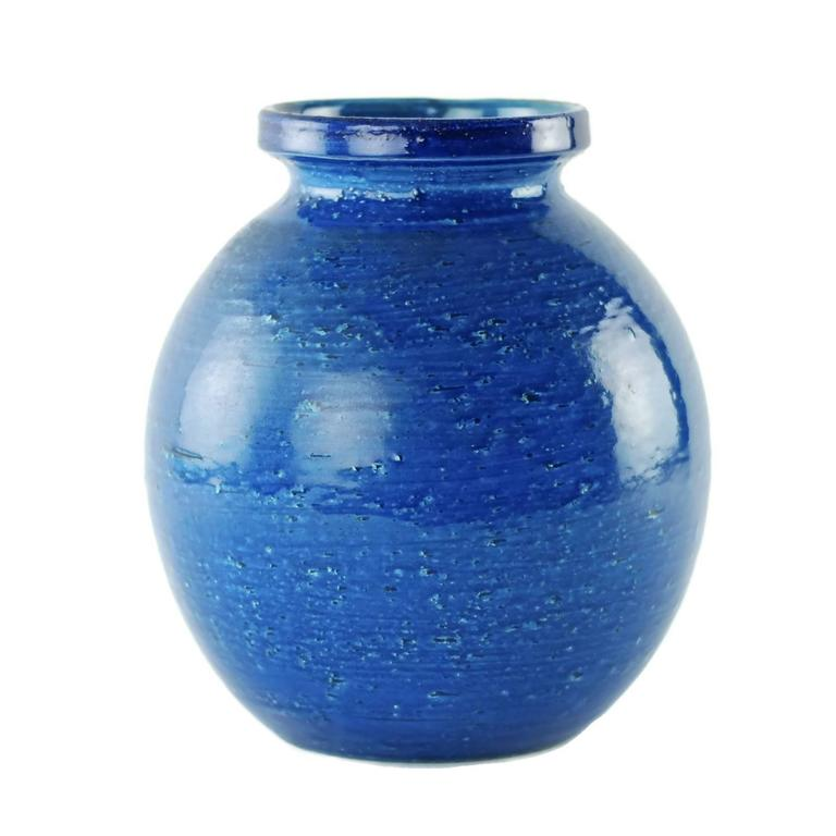 Mid-20th Century Aldo Londi for Bitossi Rimini Blu Vase and Lidded Jar with Floral Decoration For Sale