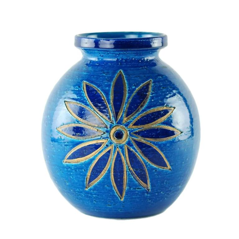 Aldo Londi for Bitossi Rimini Blu Vase and Lidded Jar with Floral Decoration In Good Condition For Sale In Cincinnati, OH