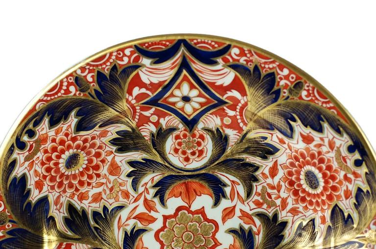 Early 19th Century English Derby Imari Japan Pattern Plates In Good Condition For Sale In Cincinnati, OH