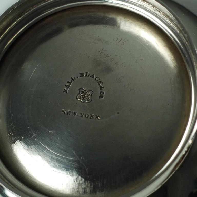 John R Wendt for Ball Black & Co Seven-Piece Medallion Sterling Tea & Coffee Set For Sale 3