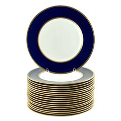 Set of 18 Wedgwood Cobalt Blue and Gilt Banded Dinner Service Plates