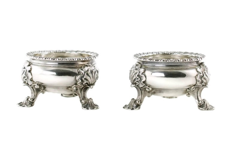 Georgian Antique Pair of Lewis Pantin George II Sterling Silver Footed Master Salts For Sale