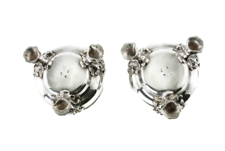 Antique Pair of Lewis Pantin George II Sterling Silver Footed Master Salts In Excellent Condition For Sale In Cincinnati, OH