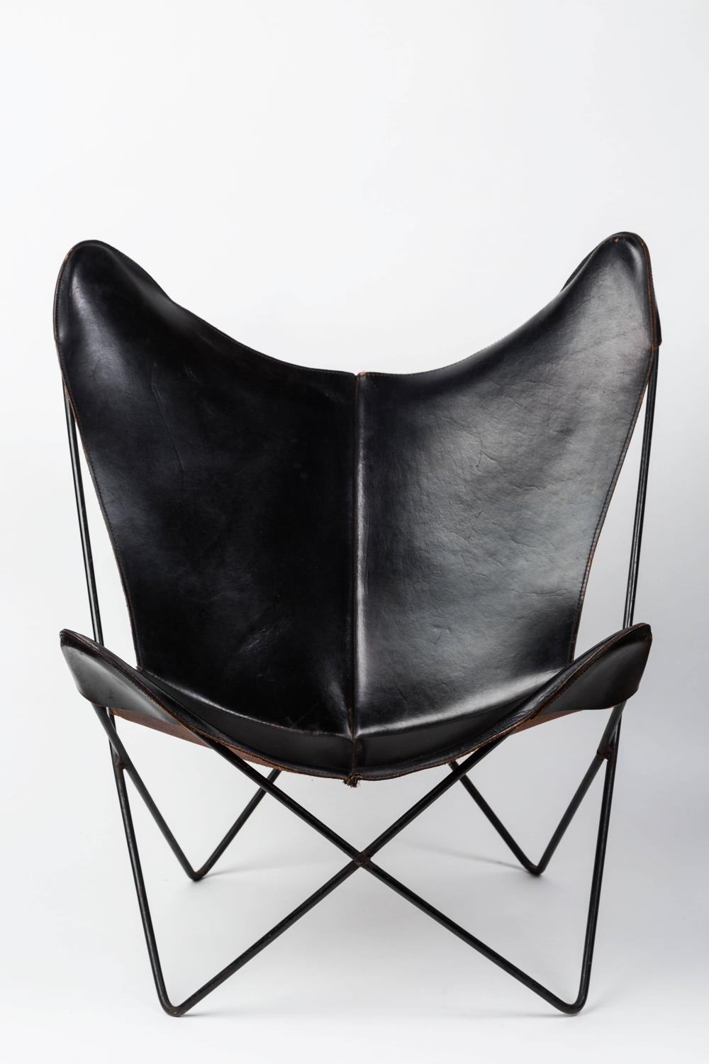 leather butterfly chair by jorge ferrari hardoy for knoll. Black Bedroom Furniture Sets. Home Design Ideas