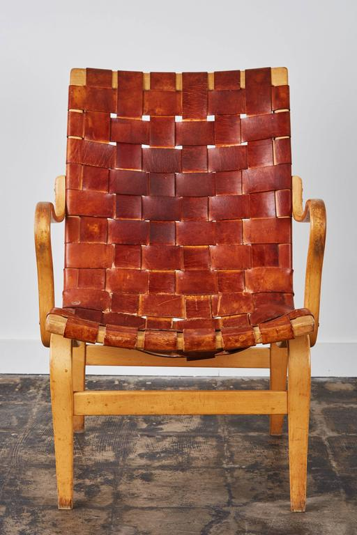 Mid-20th Century Pair of Woven Leather Eva Chairs by Bruno Mathsson For Sale