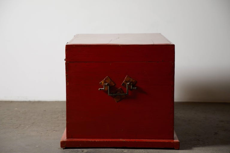 Brass Late 19th Century Chinese Red Lacquer Trunk For Sale