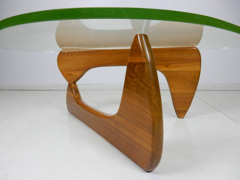 Mid-Century Modern Original Early Isamu Noguchi Sculpture Coffee Table For Sale
