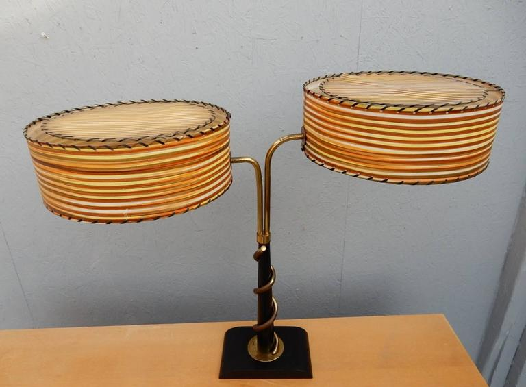 Pair of Mid-Century Modern Majestic Lamp Co. Table Lamps In Good Condition For Sale In Las Vegas, NV