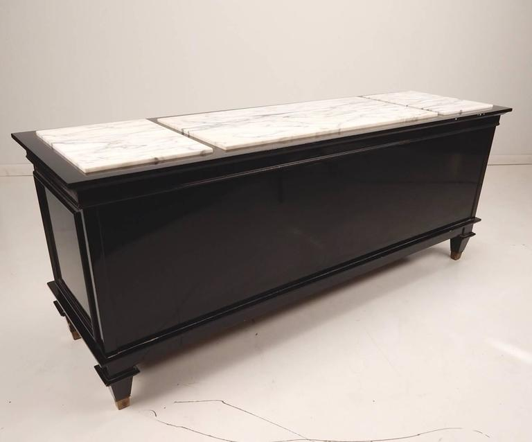 Mid-20th Century Black Lacquer and Italian Marble Low Cabinet Dorothy Draper, circa 1960 For Sale