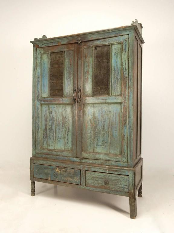 Primitive painted pie safe cabinet, circa 1890s. Striking multi layer paint  on face. - Late 19th Century Primitive Painted Farm Pie Safe Cabinet For Sale