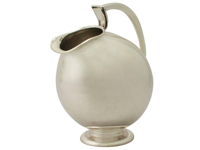 Vintage Design Style, Continental Sterling Silver Water Jug In Excellent Condition For Sale In Jesmond, Newcastle Upon Tyne