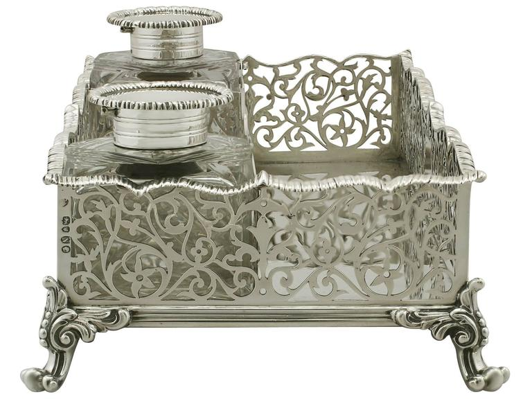 Antique Victorian Sterling Silver Gallery Inkstand In Excellent Condition For Sale In Jesmond, Newcastle Upon Tyne