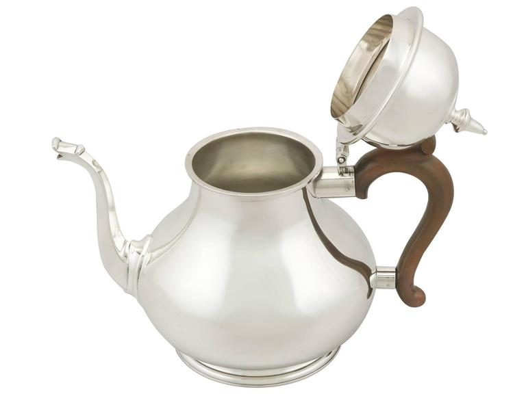 Vintage Sterling Silver Teapot, 1975 In Excellent Condition For Sale In Jesmond, Newcastle Upon Tyne