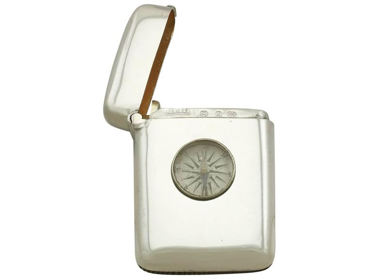 Late 19th Century 1890s Antique Victorian Sterling Silver Compass Vesta Case For Sale